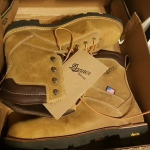 Danner QUARRY BROWN ALLOY TOE boots size  14new